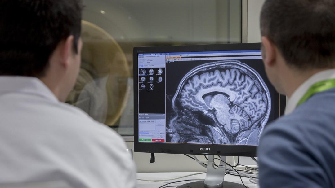 Por qué los enfermos de alzhéimer se comunican peor (y cómo mejorarlo)