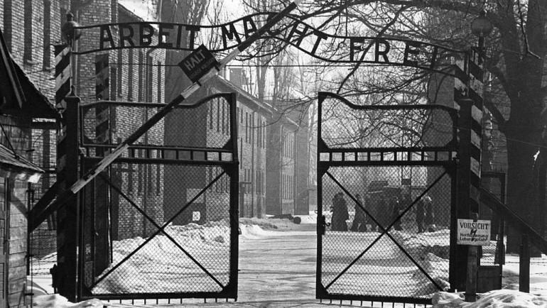 Acontece que no es poco | Liberado el campo de Auschwitz
