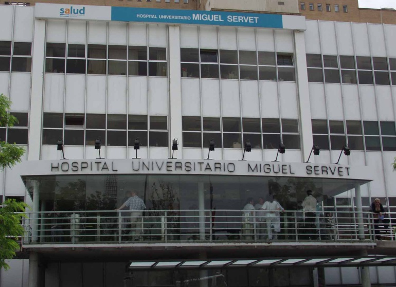 En la UCI del Hospital Miguel Servet sigue ingresado un anciano