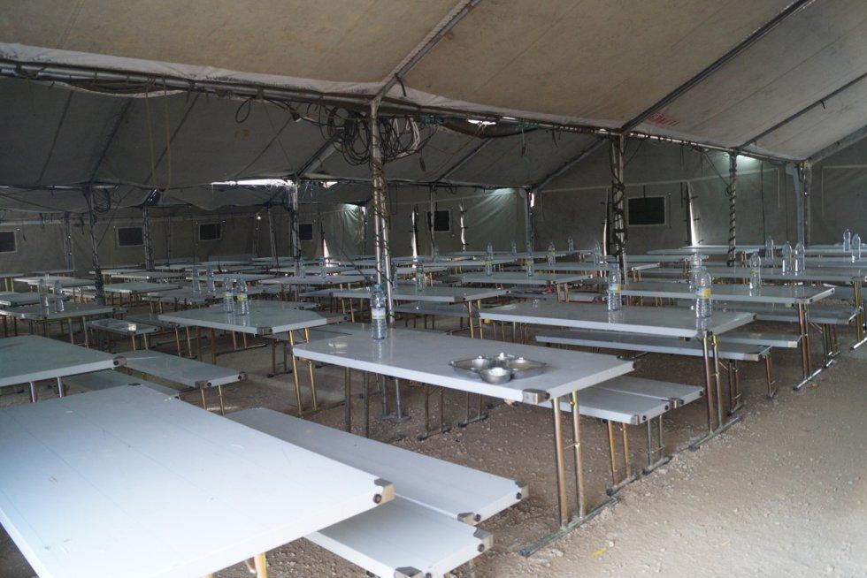 El comedor puede alojar a 300 personas a la vez
