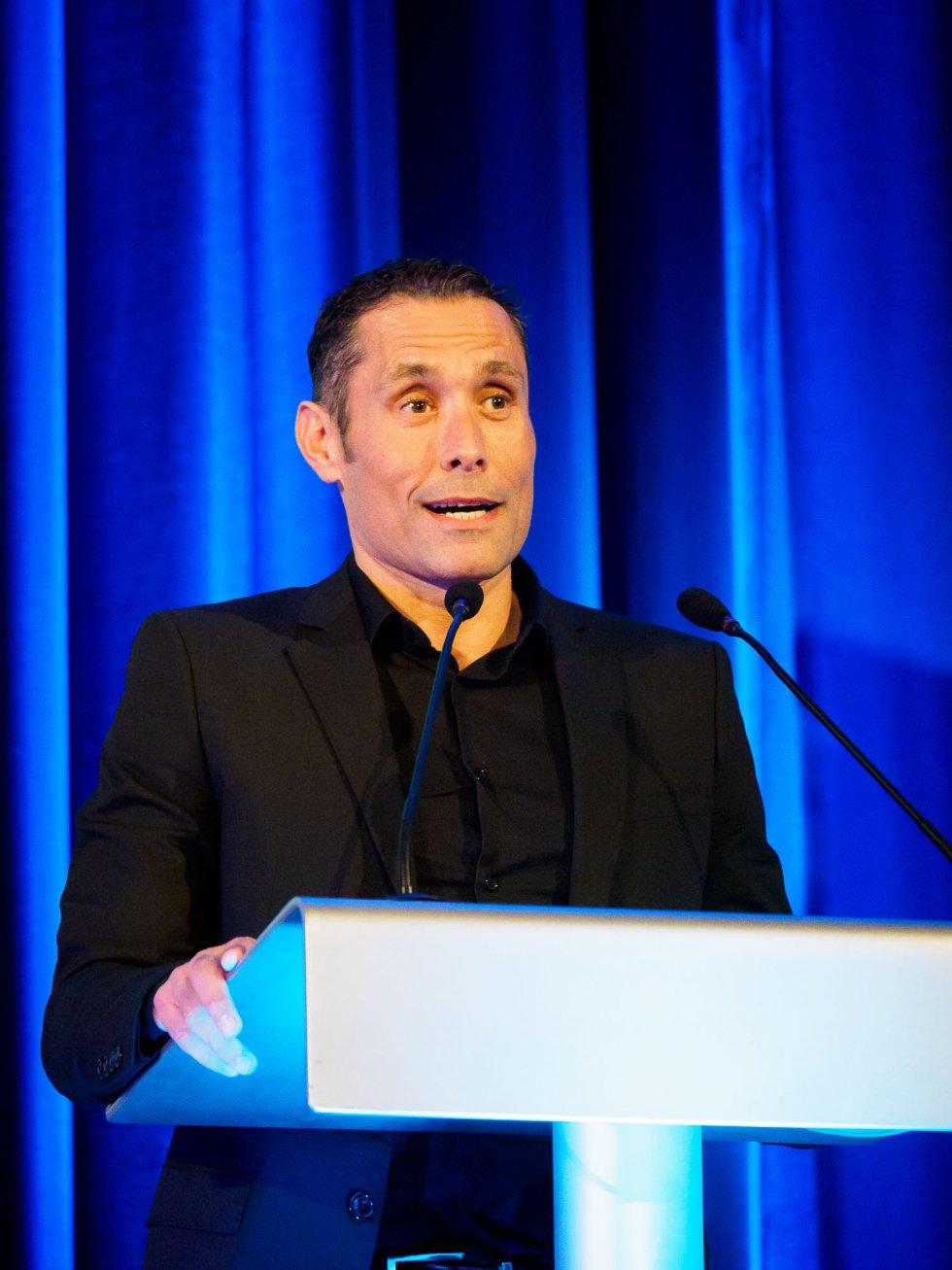 Carlos David Prieto, entrenador del atleta Javier Gómez Noya, en su discurso de agradecimiento después de recoger el premio en nombre del pentacampeón mundial de triatlón