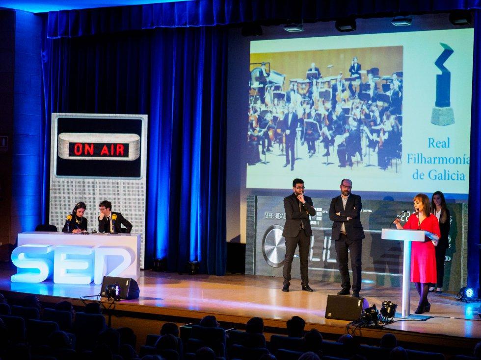 Vista del escenario en el momento del discurso de Belén Hernández
