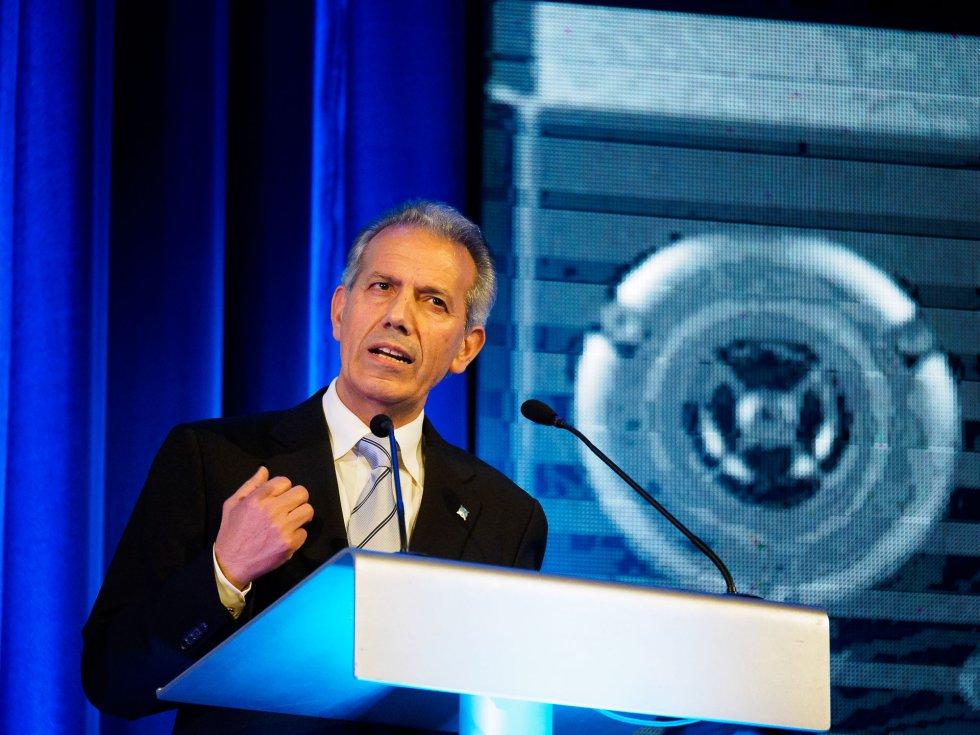 Ramón Gómez Crespo en su discurso después de recoger el premio