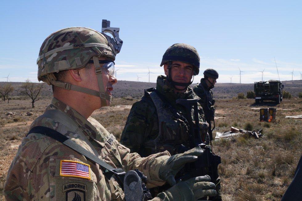 Ambos ejércitos han explicado a la prensa sus procedimientos