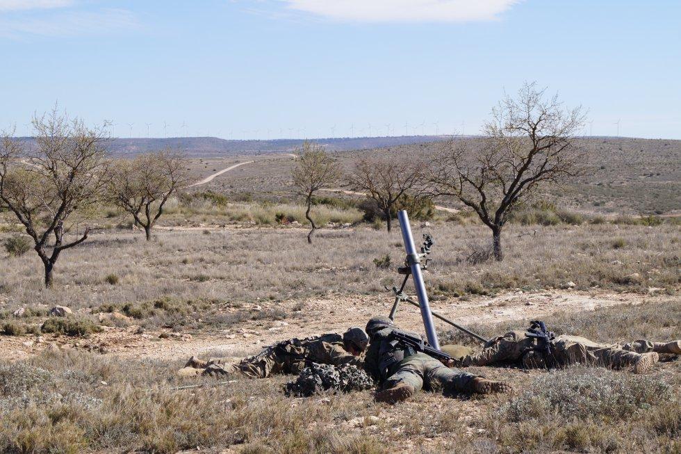 Lanzamiento de una granada desde un mortero