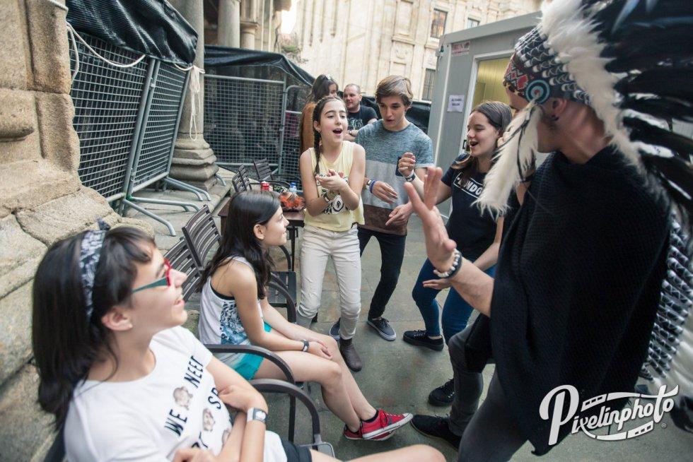 Los Forious Monkey House en el Backstage esperando el momento de salir al escenario