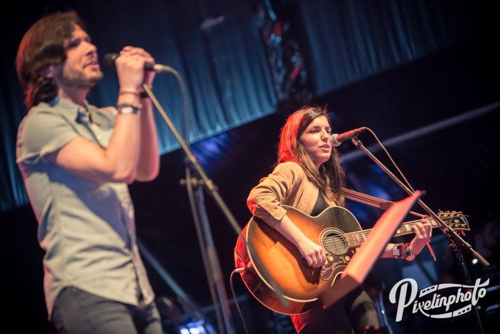 Fredi Leis y su guitarrista