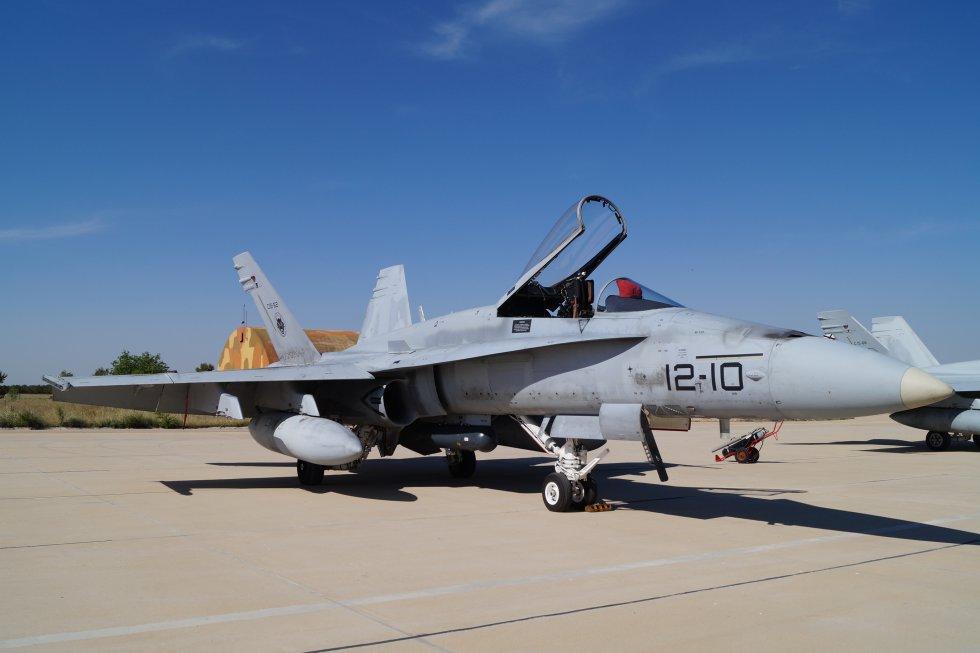 Uno de los aviones F-18 que participan en el ejercicio
