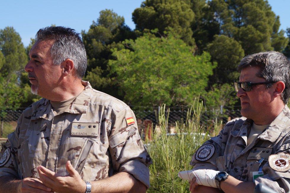 El teniente coronel Ángel Quesada explica los ejercicios