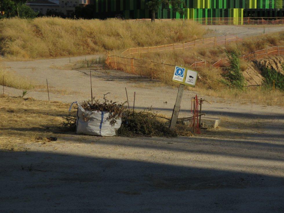 Restos de las obras tras la demolición del estadio