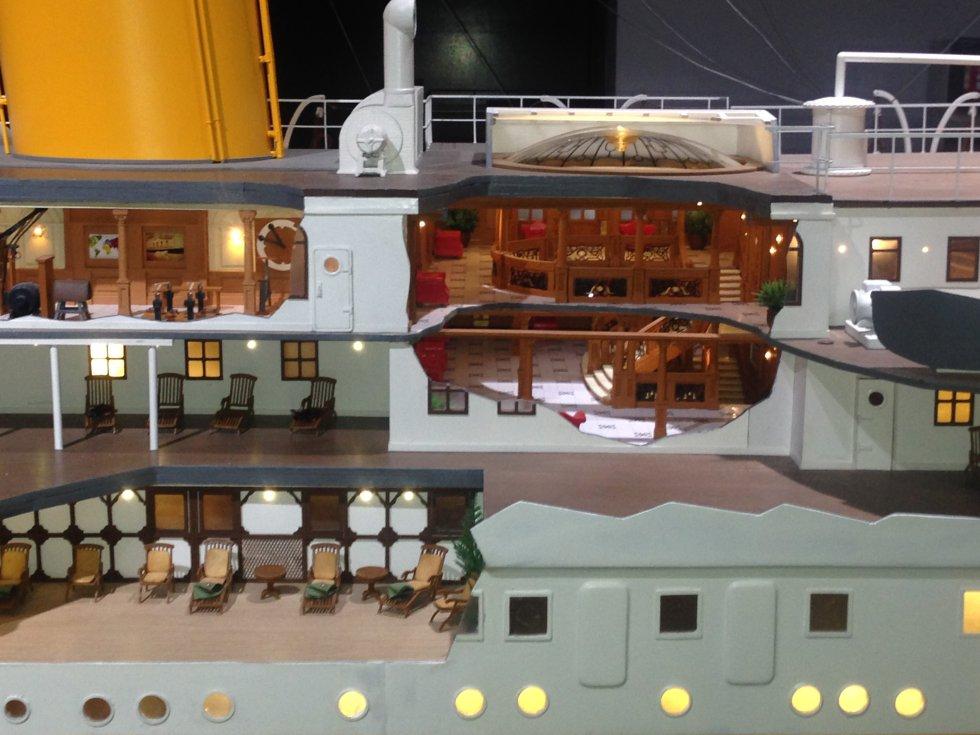 La maqueta que se expone en la muestra recrea hasta el más mínimo detalle del buque