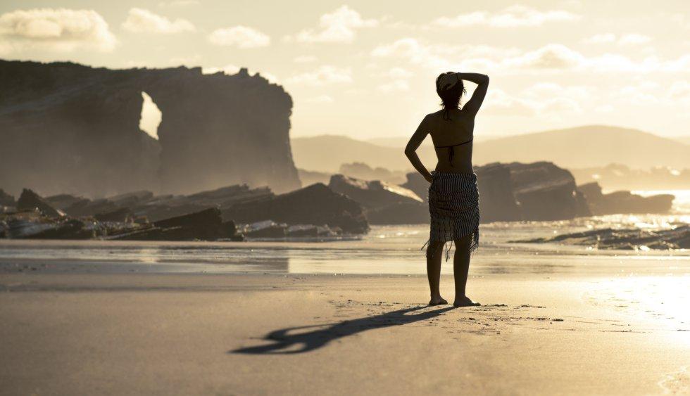 Puesta de sol en la playa de As Catedrais