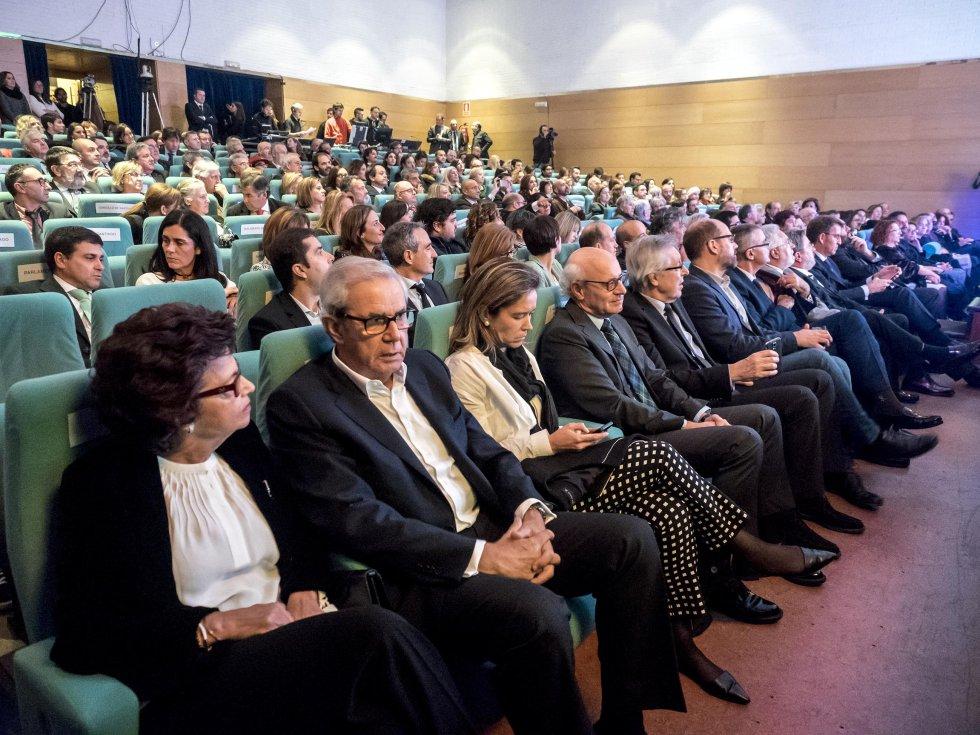 Primera fila de autoridades. En primer lugar el ex-Presidente de la Xunta, Emilio Pérez Touriño y su esposa