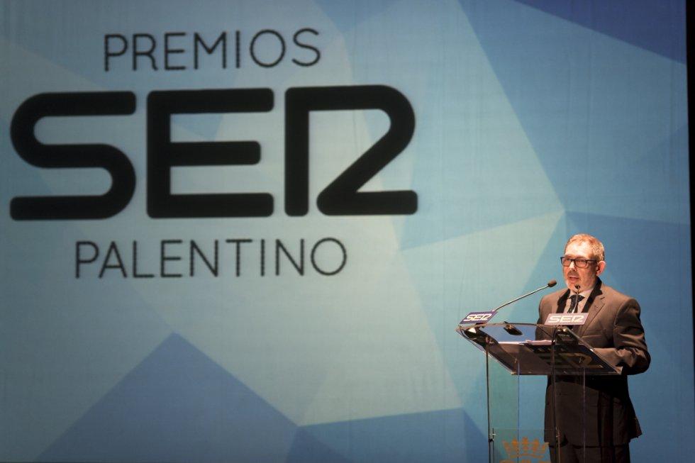 El Director de Radio Palencia de la Cadena Ser cerró la gala de entrega de los Premios Ser Palentino con un discurso en el que resaltó el trabajo en equipo de los integrantes de la emisora.