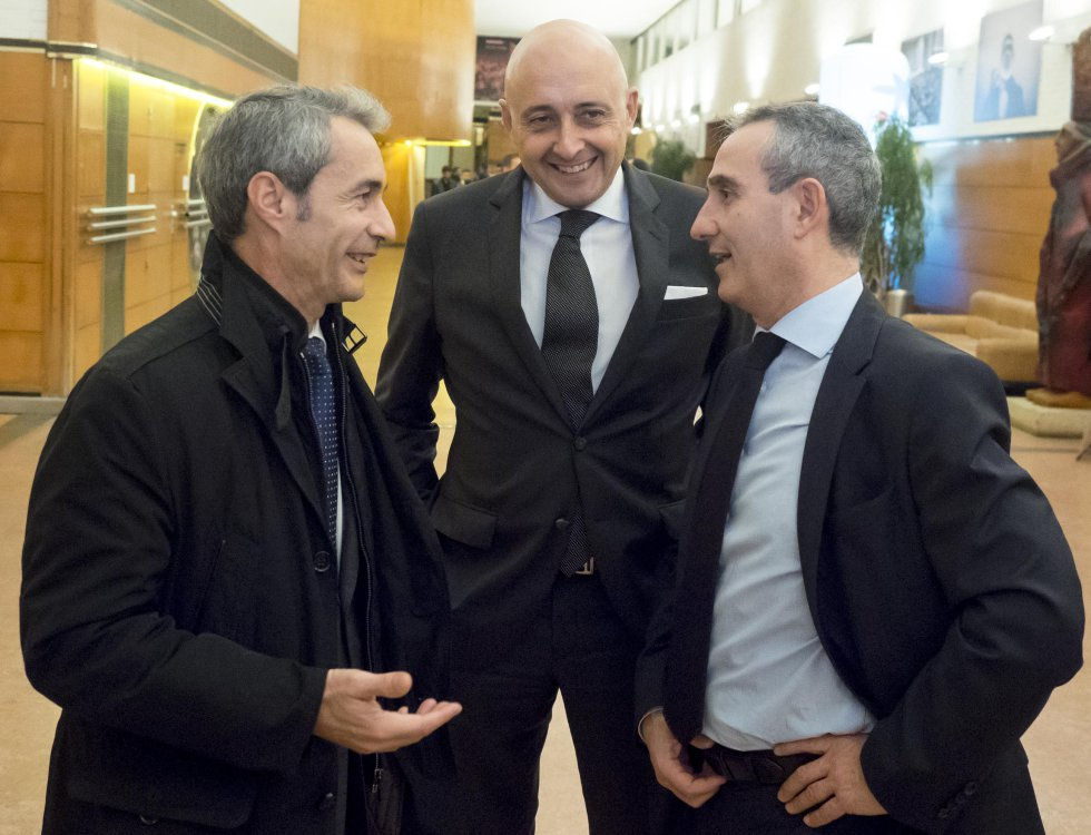 El director regional de El Corte Inglés, Javier Esteban, con el jefe de relaciones externas Patti Blanco y el director comercial de la SER, Mario Moreno