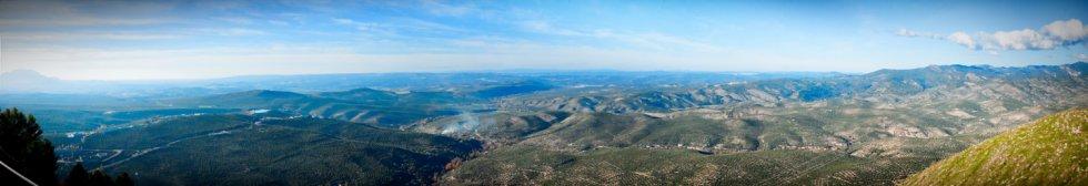 Panorámica de la Sierra de Cazorla desde la ermita de la Virgen de la Cabeza de La Iruela.