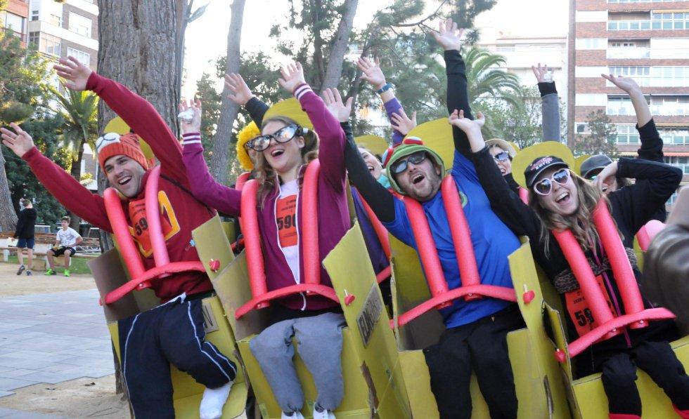 FOTOGALERÍA | Disfraces en la XXXVI San Silvestre Eldense