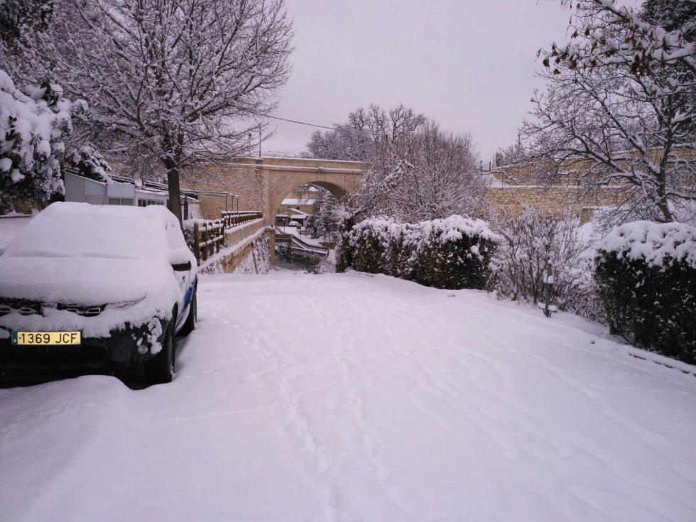 Una de las calles de Nerpio bajo la copiosa nevada
