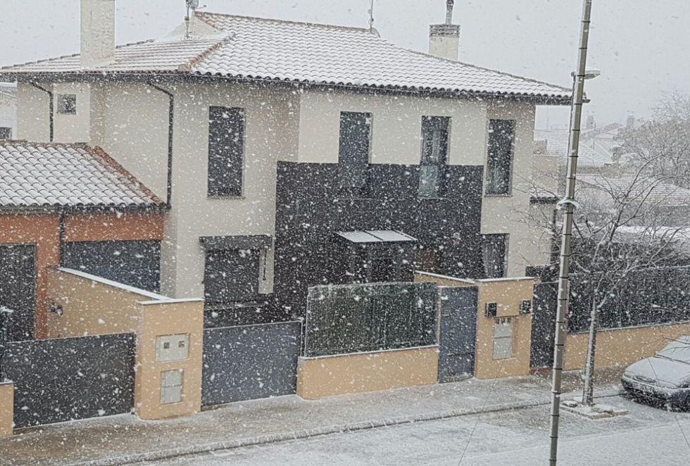Chinchilla (Albacete) también se está cubriendo de un manto blanco