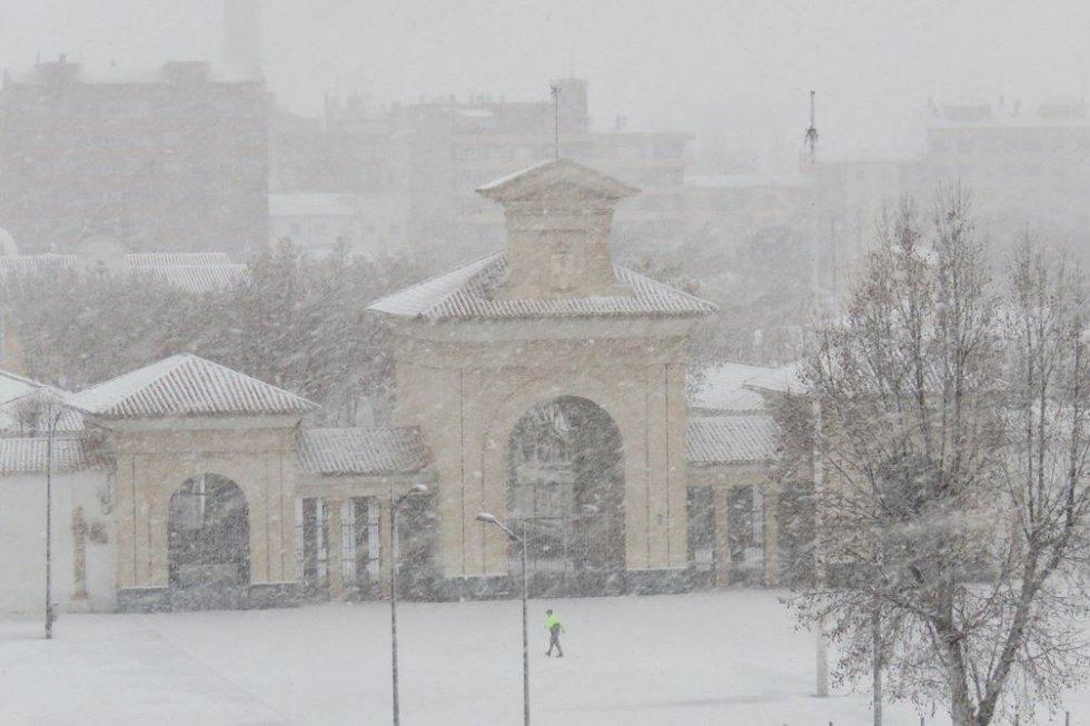 La Puerta de Hierros bajo el manto blanco