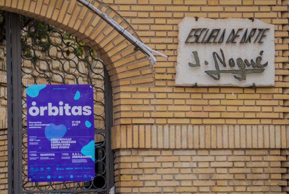 Cartel anunciador de la exposición Órbitas en la Escuela de Arte 'José Nogué' de Jaén.