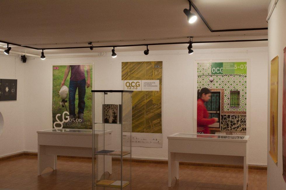 Varias imágenes que conforman la exposición 'Manigua' en la Escuela de Arte 'José Nogué' de Jaén.