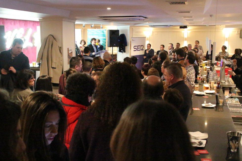 Los empresarios abarrotaron el gastro-bar Velvet en esta fiesta de bienvenida y agradecimiento