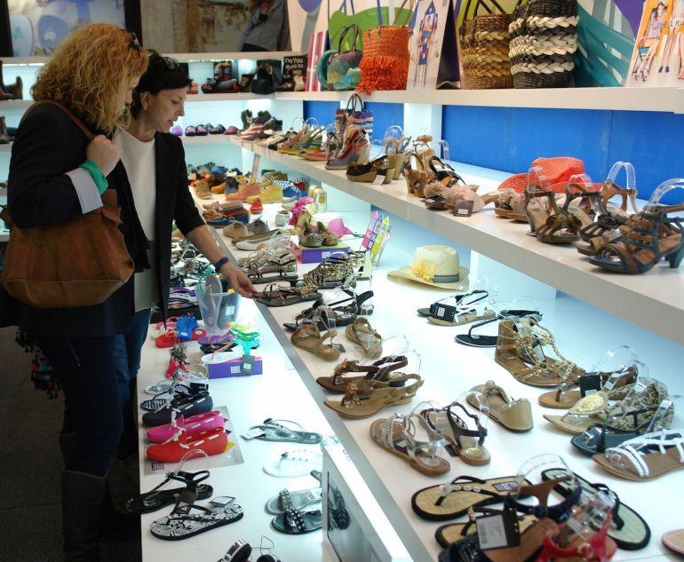 0807e45832 Nueva plataforma de venta on-line agrupada para el calzado | Radio ...