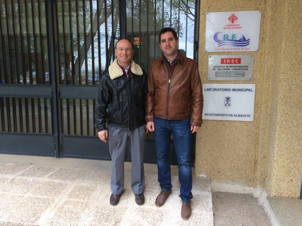 Los investigadores del CREA José María Tarjuelo y Miguel Ángel Moreno