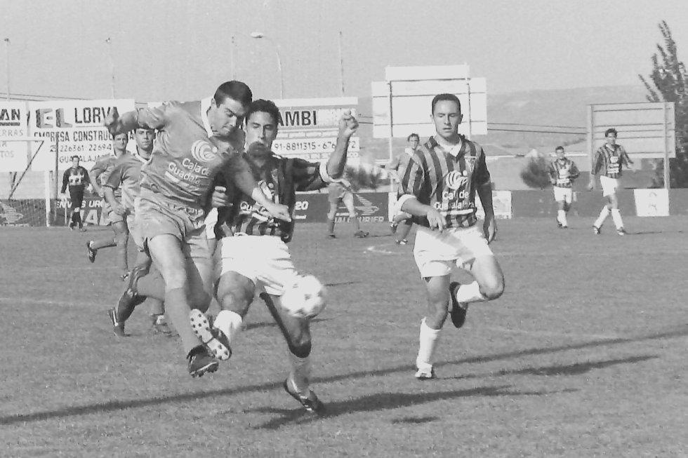 Imágenes del último derbi entre Azuqueca y Guadalajara en el San Miguel (Mayo 1998)