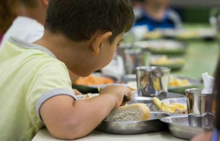Ni panga ni comida insana en los comedores escolares | Radio ...