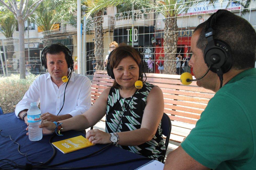 José Císcar, presidente del PP provincial, e Isabel Bonig, presidenta del PP en la Comunitat Valenciana, y Carlos Arcaya