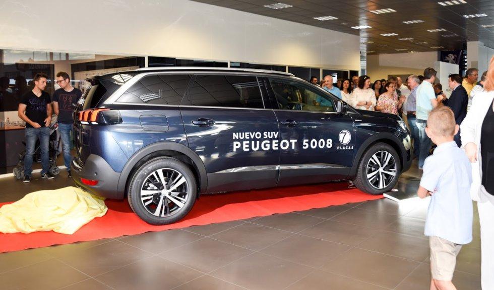 VIÑARAS Toledo presenta el nuevo PEUGEOT 5008