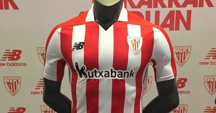 El Athletic presenta sus camisetas para la temporada 2017 2018 ... 4aa067d69f2d2