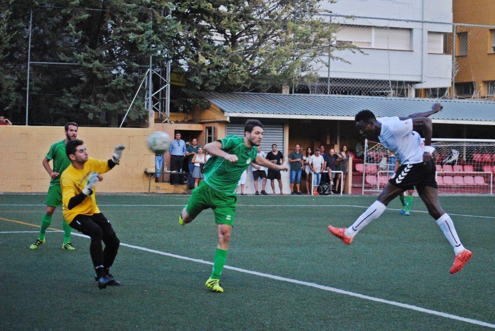 Remate a gol de cabez de Adibe (3-2)