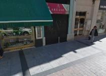 7063f61287e8 Roban en una joyería de la calle Alfonso sin pisarla