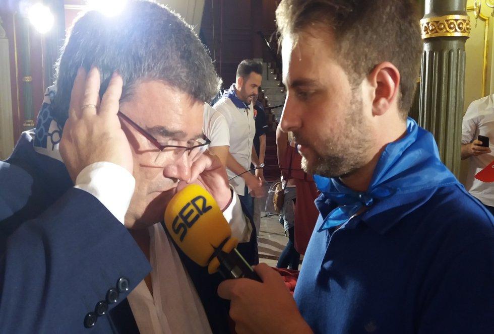 Gonzalo Loza entrevista al alcalde Aburto