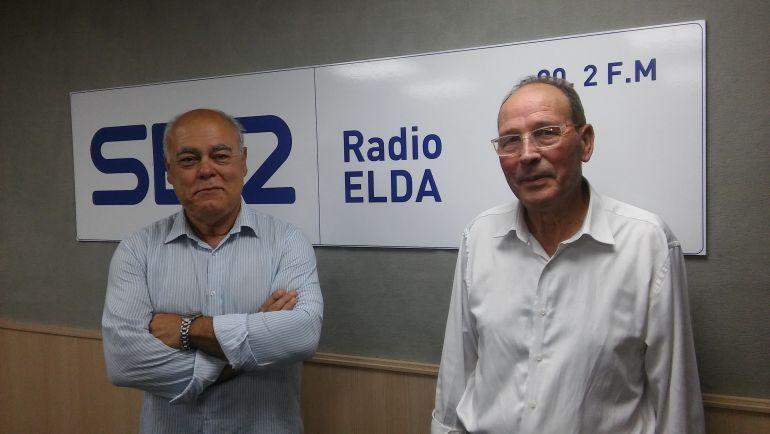 Ramón González, presidente de la Cofradía de los Santos Patronos y Antonio Molina de la Comisión de Correr la traca de Elda