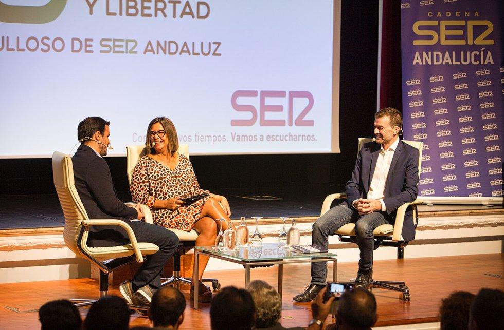 Alberto Garzón dialoga con Angels Bareceló y Antonio Maíllo