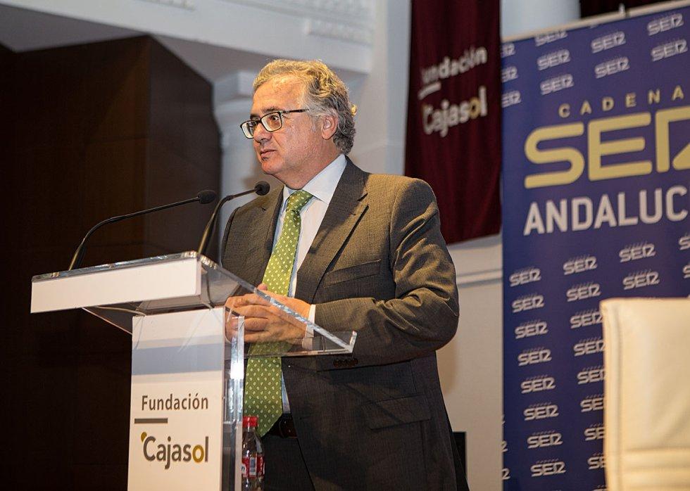 Antonio Yélamo, director de la Cadena Ser Andalucía,momentos previos al debate