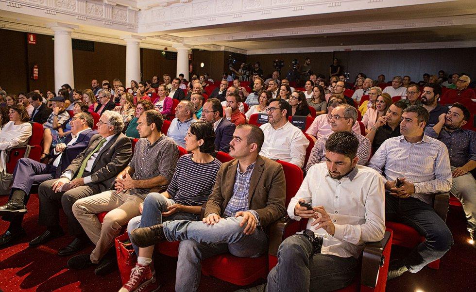 Aforo completo en el teatro de la Fundación Cajasol