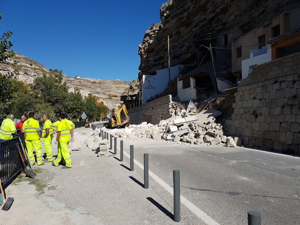 Las rocas han caido sobre la CM-3201