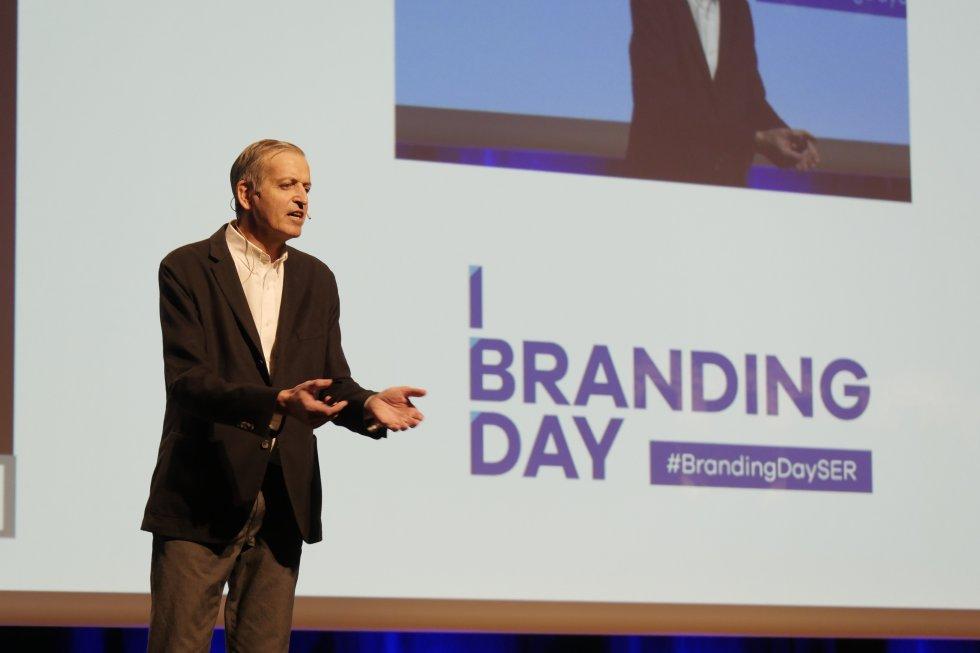 """Jean Marc Colanesi, profesor de la escuela de negocios ESIC, experto en marketing y gestión de marca con su ponencia """"Crear MArca es posible si sabes cómo"""""""