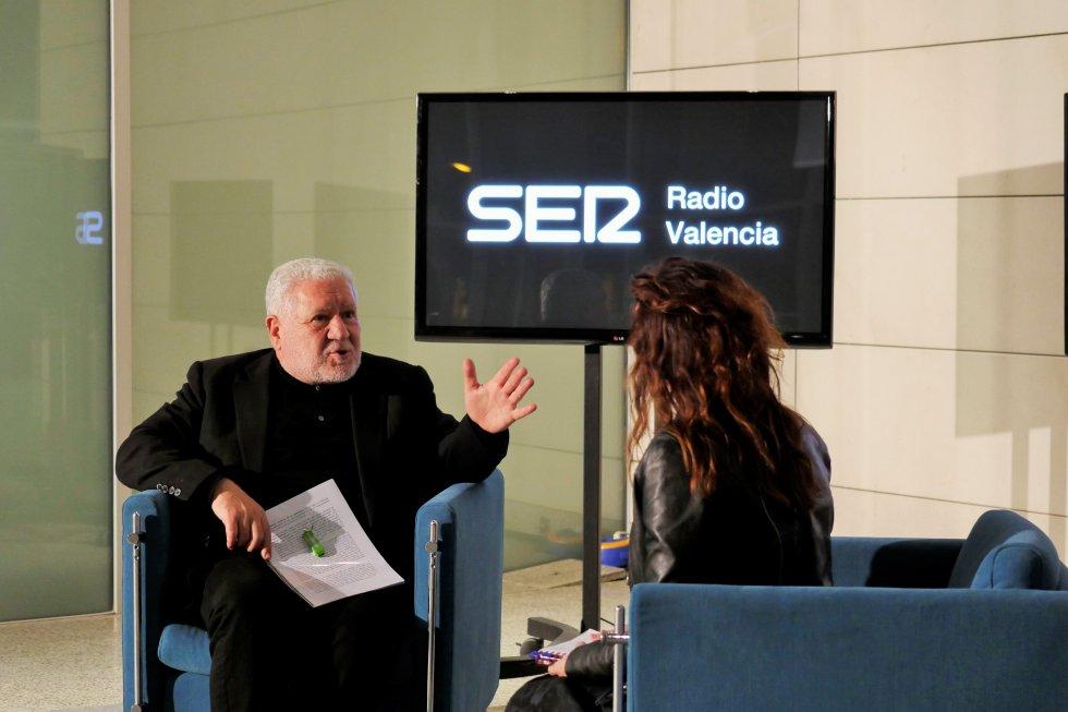 Entrevista a Luis Bassat para Facebook Live de Radio Valencia Cadena SER