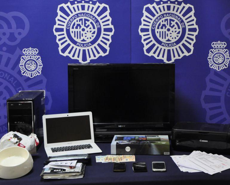 d9f052f5bde Estafa internet: Detenida una pareja que compraba en internet con  identidades falsas. Policía Nacional