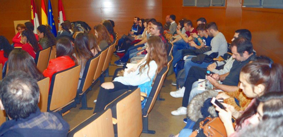 Aquí tienes las mejores imágenes de 'LOS40 en la Universidad' con Tony Aguilar