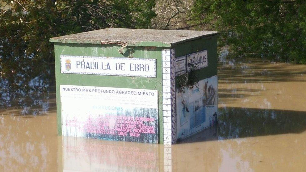 Un cartel de Pradilla inundado
