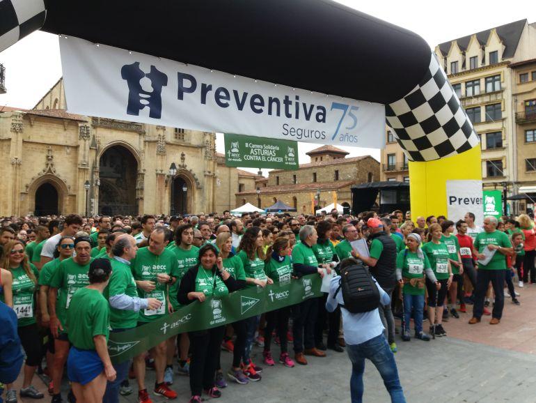 Cerca De 4 000 Personas Corren Contra El Cáncer En Oviedo Radio Asturias Actualidad Cadena Ser