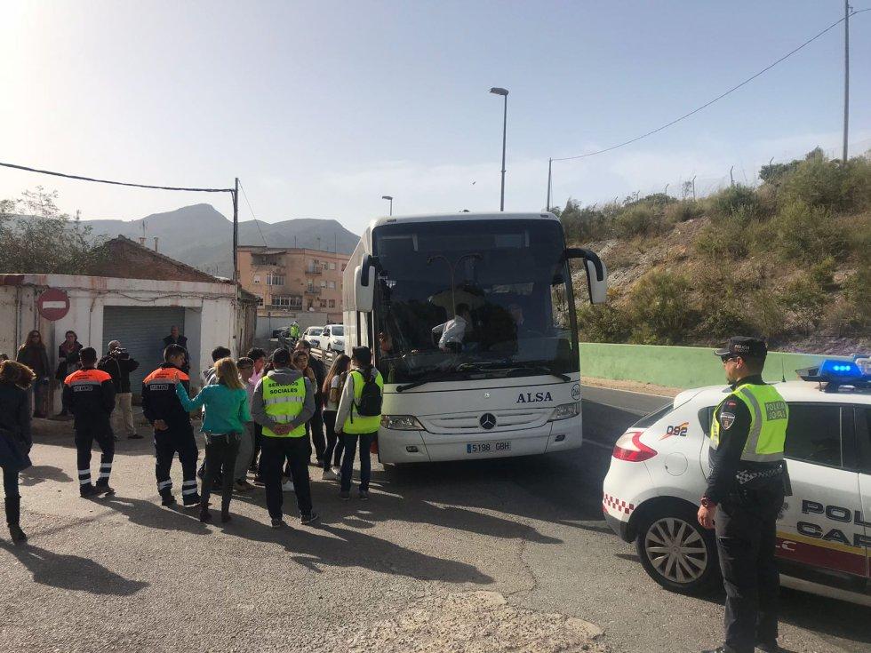 Desalojo de la localidad de Alumbres