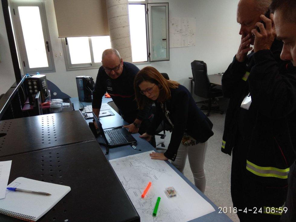 La alcaldesa supervisa las labores de emergencias